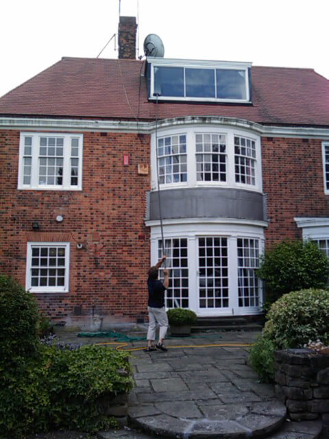 residential window pane cleaning in SW3