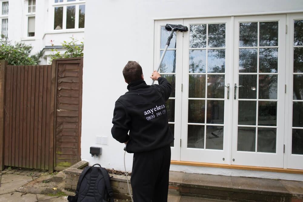 Local sw16 leaders in window cleaning